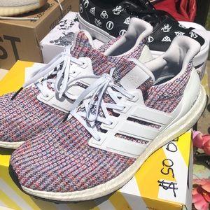 MENS 9.5 Adidas ULTRA BOOST